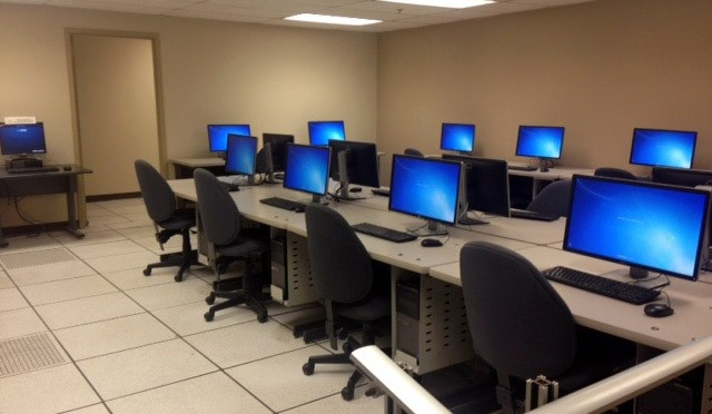 Free Use Computer Lab Classroom