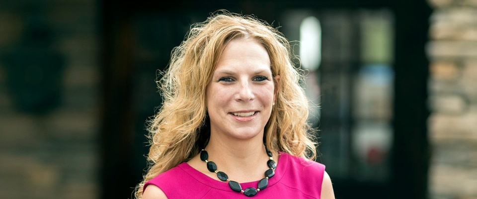 Photo of Stacy Dean, EMBA '15